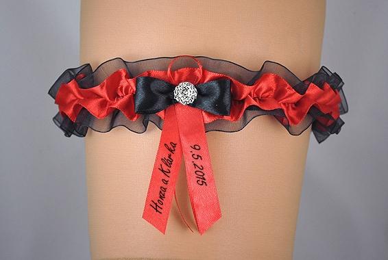Doplnky pre nevestu - Čierno-červený podväzok s mašličkou a potlačou