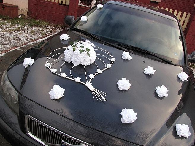 Svadobné dekorácie na auto - Kvety na ozdobenie autá - bílá