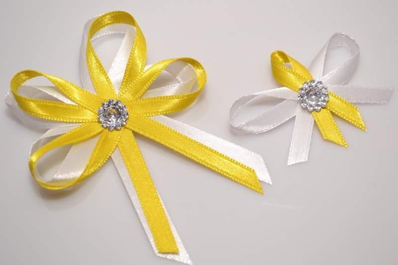 Svadobné výväzky a stuhy - Svadobný vývazek s brošňou - žltá