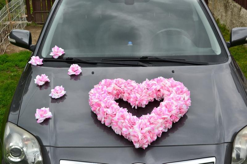 Svadobné dekorácie na auto - Kvety na ozdobenie automobilu - ružová