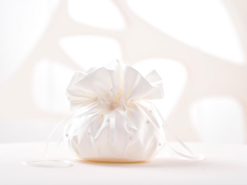 Doplnky pre nevestu - Svadobná pompadúrka B2