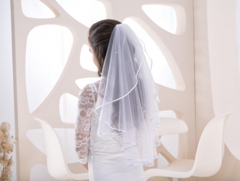 Doplnky pre nevestu - Svadobný závoj zdobený perličkami