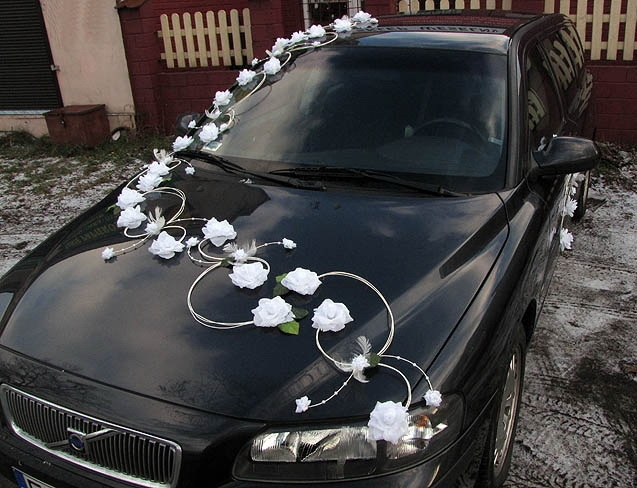 Svadobné dekorácie na auto - Výzdoba na auto ružičky