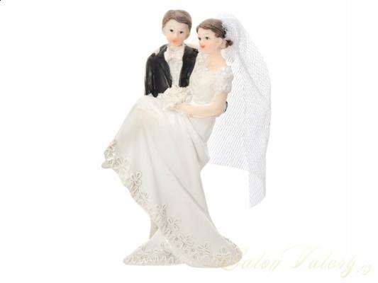 Figúrky na svadobnú tortu - Figúrka na tortu - nevesta v náručí