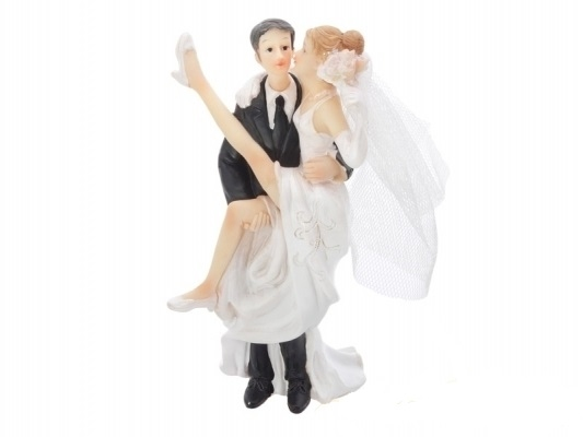 Figúrky na svadobnú tortu - Nevesta v náručí