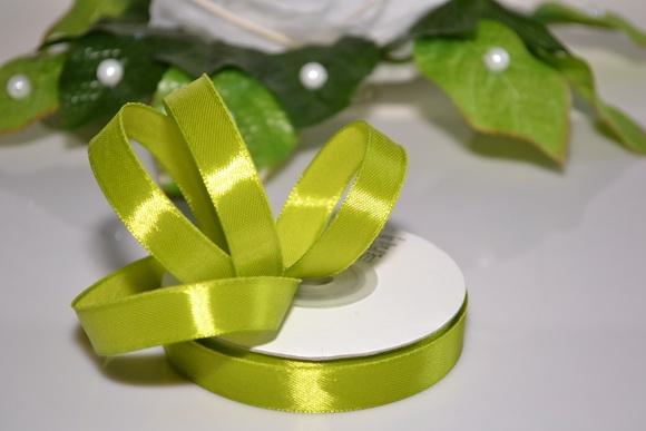 Svadobné výväzky a stuhy - Saténová stuha 12mm - svetlo zelená