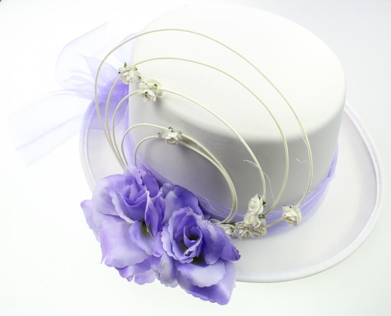 Svadobné dekorácie na auto - Cylinder biely s fialovou organzou