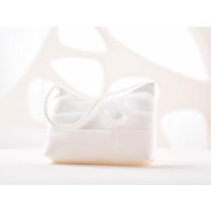Svatební kabelka s květinkou