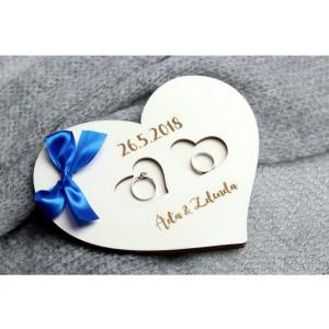 Dřevěné srdce na prstýnky